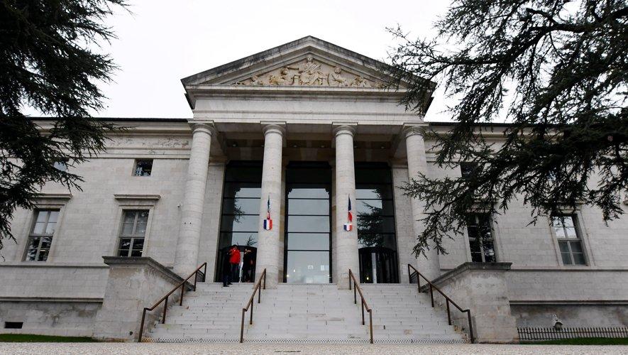 L'auteur présumé comparaîtra le 13 février devant le tribunal correctionnel de Rodez.