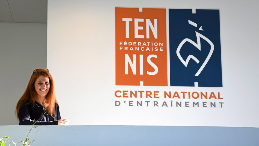 Depuis 2001, le terrain de jeu de la Sud-Aveyronnaise Claire Demeester est le Centre national d'entraînement de tennis, à deux pas de Roland-Garros.