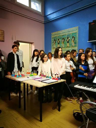 Les jeunes choristes ont lancé le Téléthon.