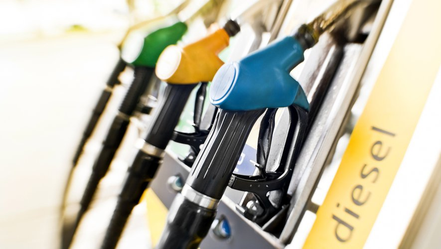 Les Français massivement contre une augmentation des taxes sur les carburants.