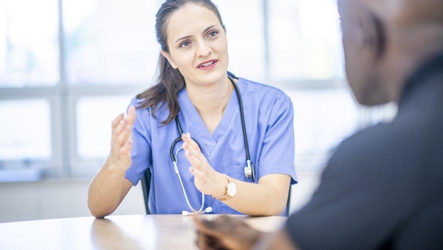 """Un tiers des patients qui quittent l'hôpital après un séjour dans un service de médecine, chirurgie ou obstétrique """"n'a reçu aucune information sur les signes ou complications devant l'amener à recontacter le médecin"""""""