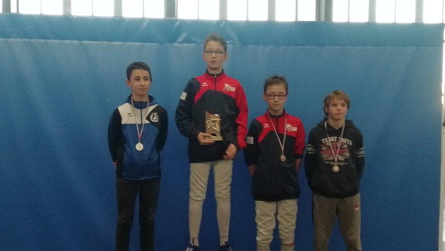 Les jeunes Castonétois affectionnent les podiums.
