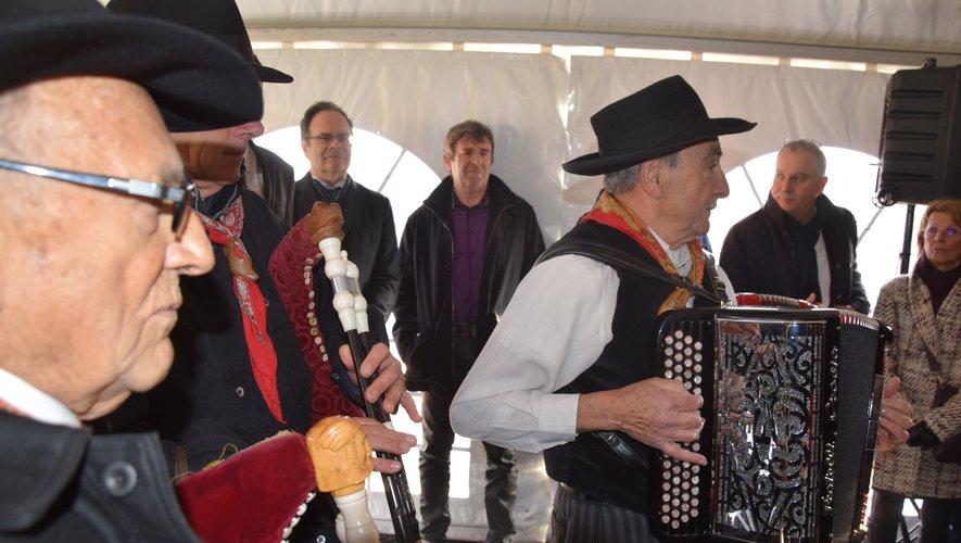 """Le groupe folklorique d'Espalion """"Lo Bourréio d'Olt"""" était de la fête."""