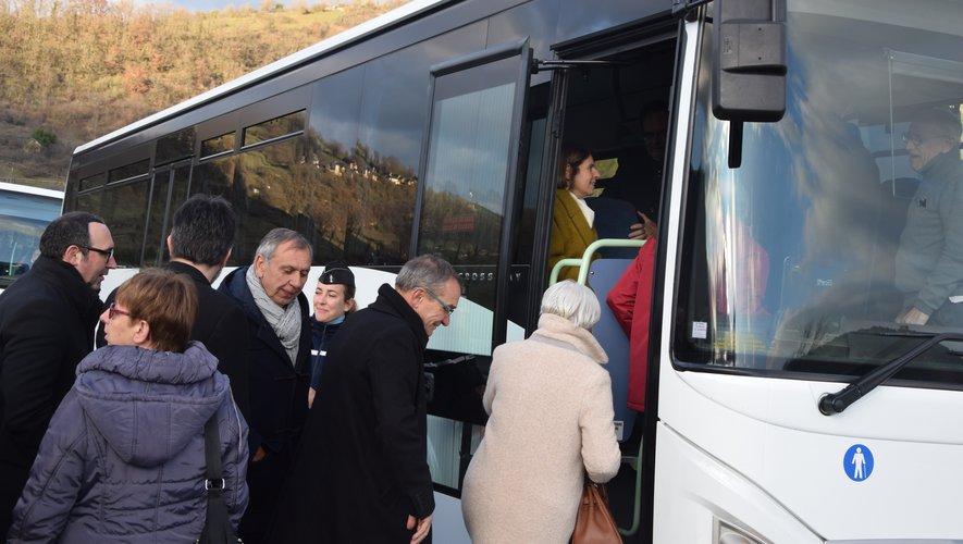 Visite en bus pour les élus et parlementaires.