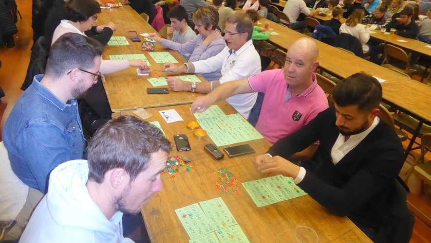 De nombreux licenciés et éducateurs ont participé à ce loto.