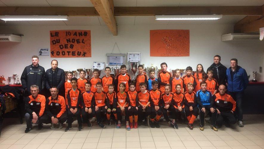 Football : les deux équipes U13 (coupe Pitch et challenge départemental) font honneur aux nouveaux maillots