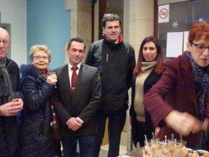 Cristèle et Christophe aux côtés du maire.