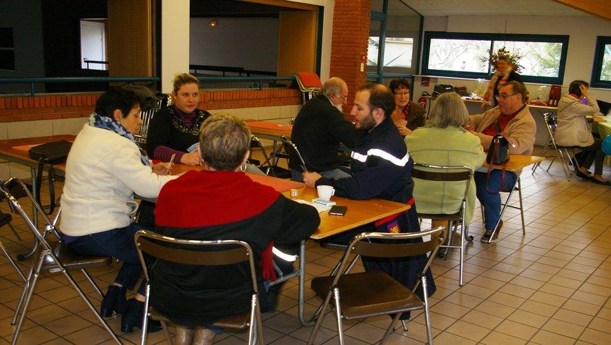 Les beloteurs ne se sont pas pressés aux tables du Pass'Temps.