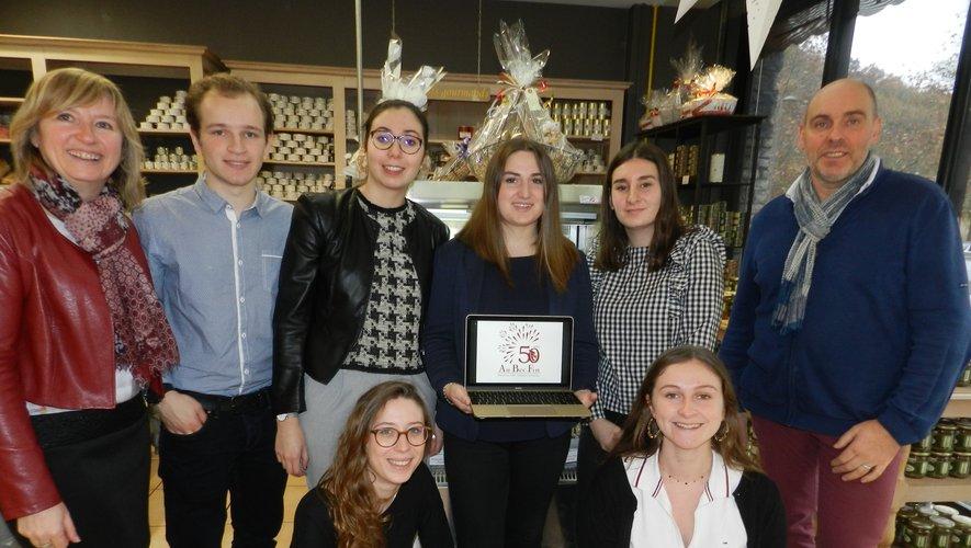 Béatrice et Bruno Guy ont fait confiance à sept étudiants (un absent sur la photo) pour un projet d'ampleur.