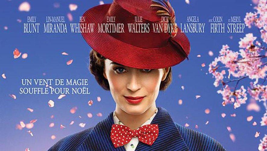 """L'actrice Emily Blunt incarne la fabuleuse Mary Poppins dans """"Le retour de Mary Poppins"""" réalisé par Rob Marshall."""