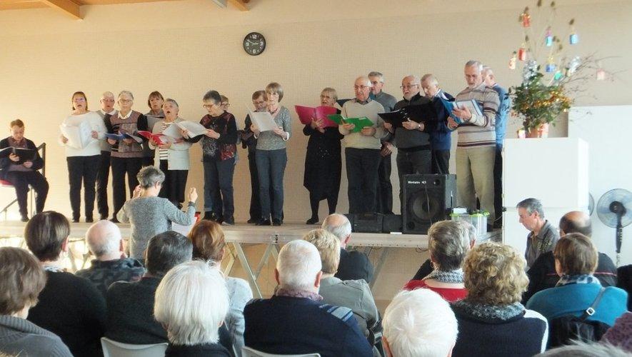 La magie de Noël passe par les chants traditionnels.