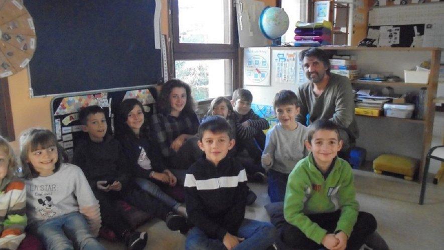 Belle initiative des écoliers avec la création de leur petit journal et la visite d'Olivier Courtil.