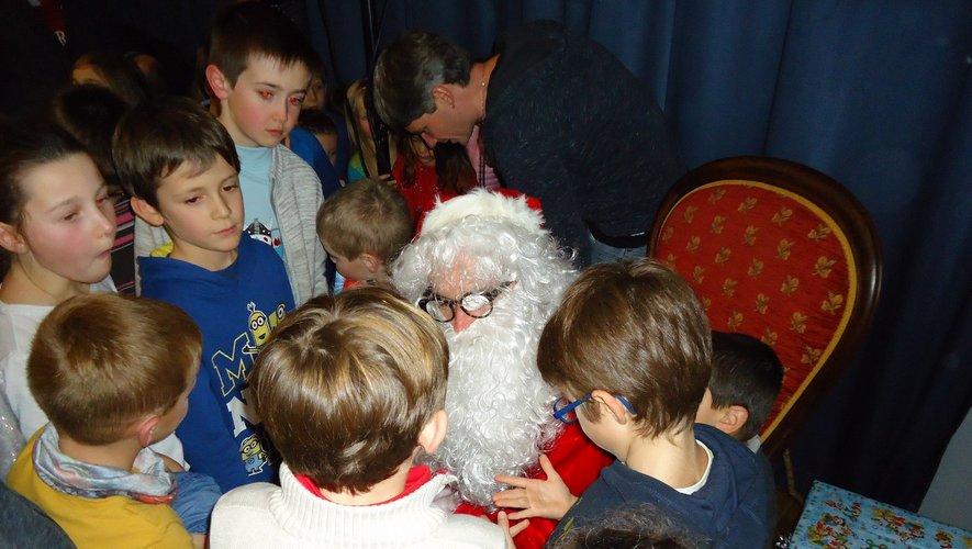 Le père Noël toujours très admiré.