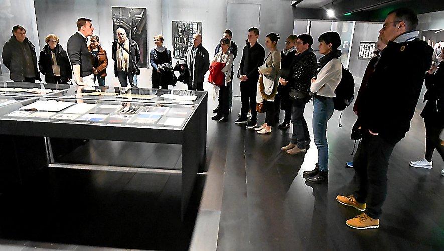 Les professionnels du tourisme ont découvert hier l'expo «œuvres sur papier».