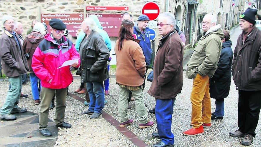 Lundi 17 décembre, le collectif citoyen de conciliation s'est réuni à deux pas de la mairie.