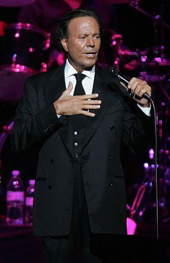 Le chanteur espagnol Julio Iglesias sera récompensé pour l'ensemble de sa carrière par les Grammy Awards.