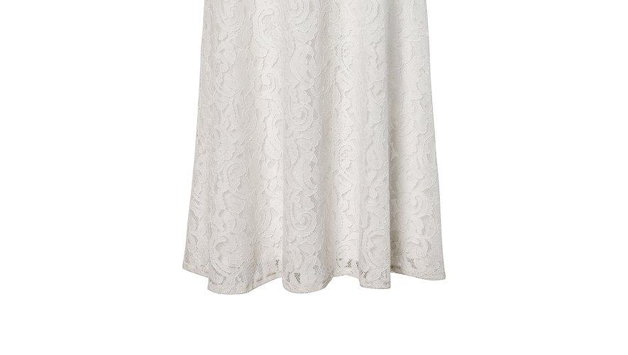 La robe longue sans manche en dentelle de C&A (79,90€).
