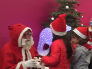 Le père Noël rendra visite aux enfants tout le week-end