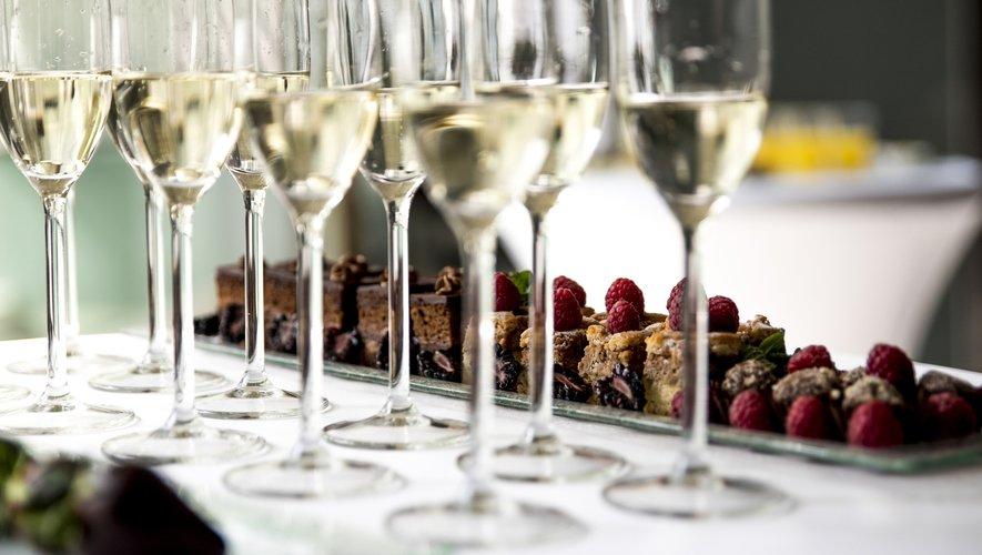 """""""Ambassadeur"""" de la France, le champagne s'exporte partout à travers le monde, allant jusqu'à se faire une place en Afrique, où il semble promis à une forte croissance."""