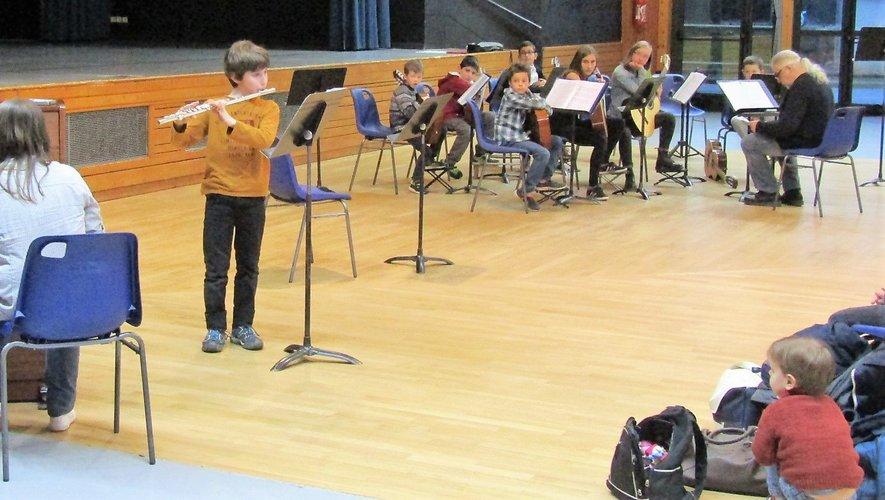 En duos ou en trios, les élèves ont été très appliqués dans leurs interprétations.