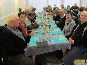 Les aînés sont passés à table