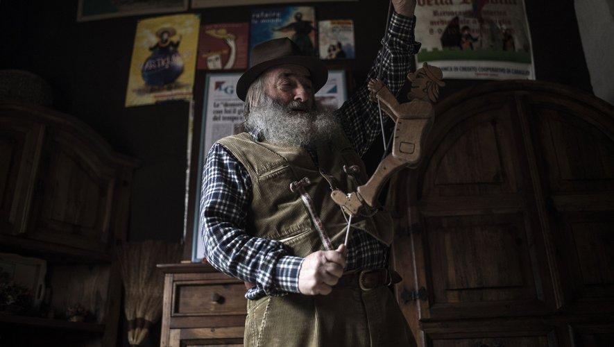 """Mario Collino s'est choisi comme nom d'artiste """"Monsieur Persil"""", ou """"Prezzemolo"""" en italien, mais il aurait pu inspirer le personnage de Geppetto, père de Pinocchio."""