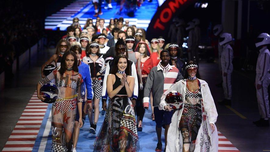 Tommy Hilfiger compte parmi les marques engagées en faveur de la durabilité dans la mode.