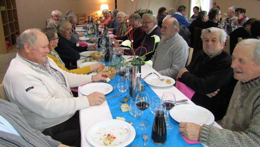 À Goutrens, les aînés sont passés à table