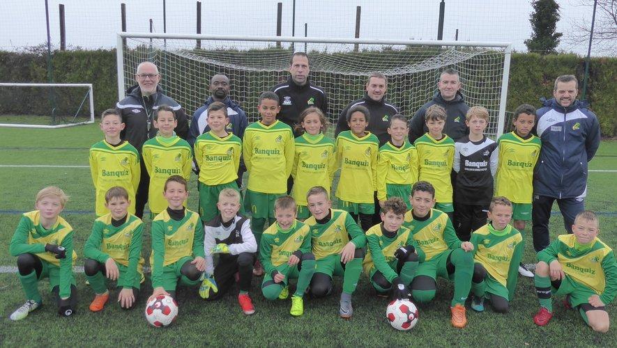 Les équipes U11 I et II de LPFC et leurs éducateurs lors du plateau U11 organisé à Luc samedi dernier.