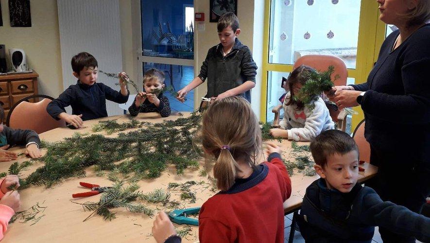Atelier d'art floral pour les enfants.