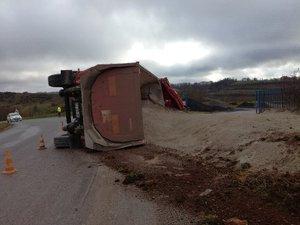 Cet accident de camion qui n'a pas fait de victime pose quand même de nombreuses questions.