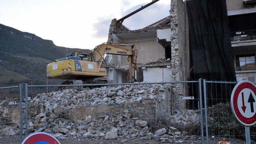 Les travaux de démolition de l'ancienne ganterie ont duré une petite semaine.