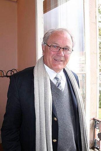Jacques Godfrain a été élevé ce mardi 1er janvier au grade d'officier de la Légion d'honneur.