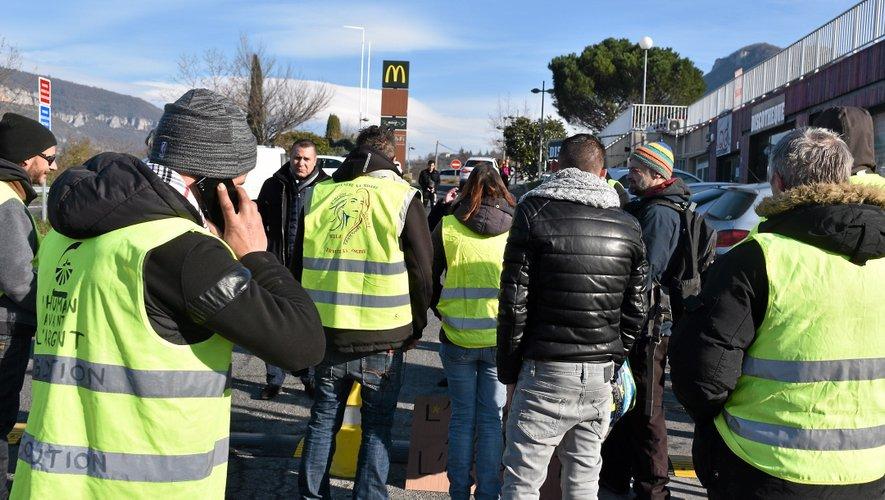 A Millau, une trentaine de manifestants se sont retrouvés au McDo.