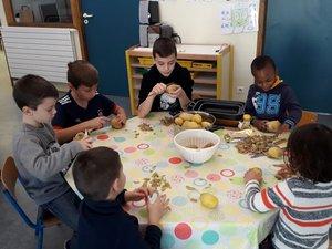 Les enfants ont préparé les repas.
