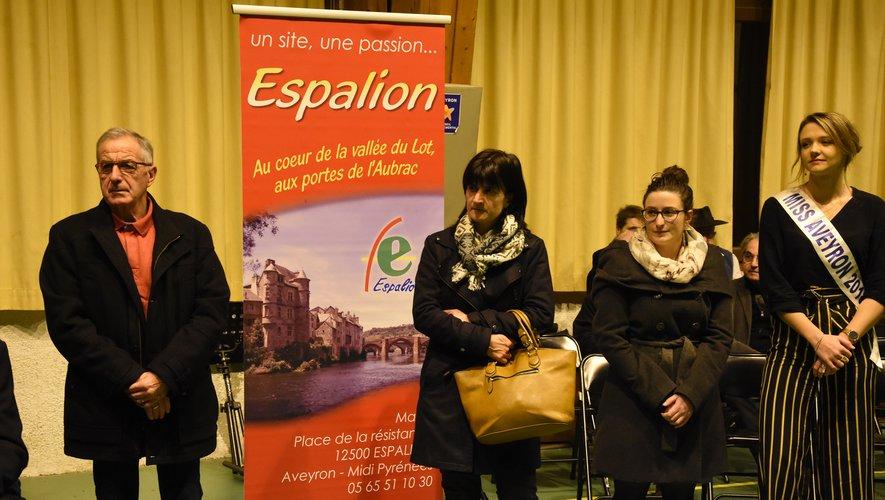 André Berthomieu, Mme Berthoumieu représentant sa fille, Julie Biondi et Sabrina Turlan.