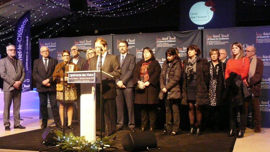 Le conseil municipal autour du maire, Jean-Philippe Keroslian.