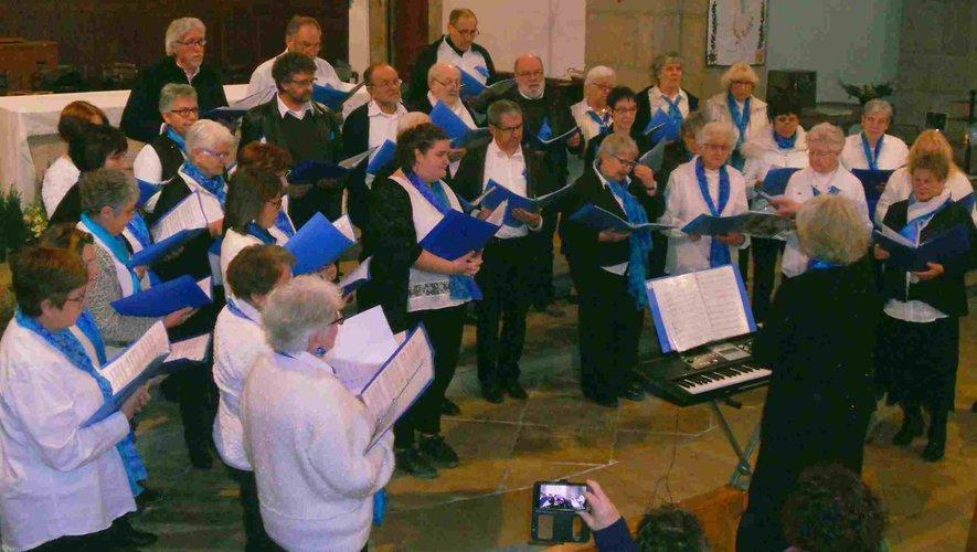 La chorale au « Chœur des Flots » sous la direction d'Isabelle Bessières.
