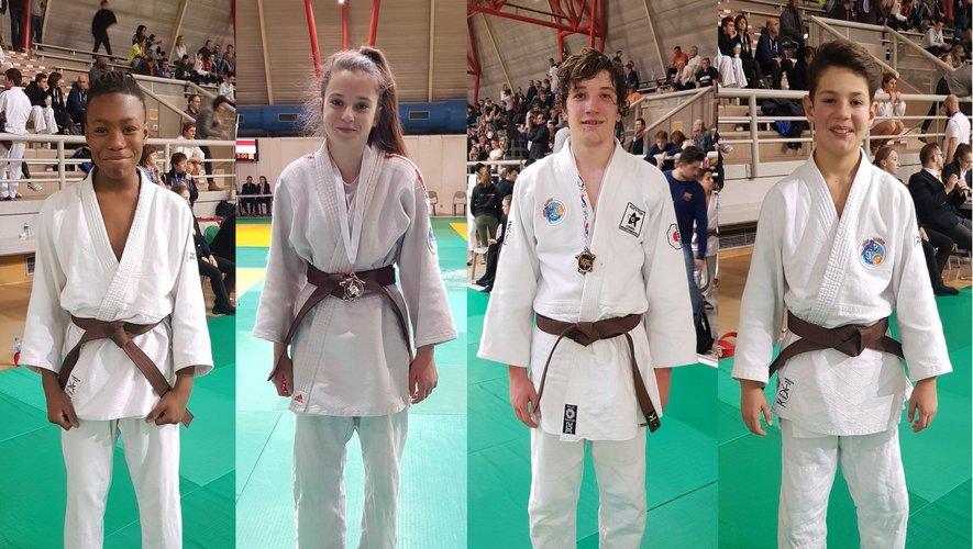 De gauche à droite : Loïc Millington, Lucie Guibert, Timéo Fabre et Tom Arribat.