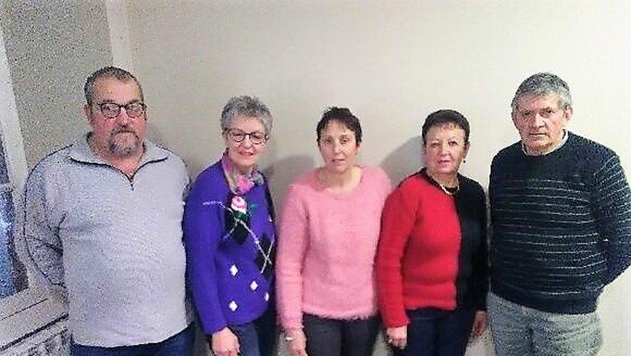 Jean-Louis Cadène, Françoise Laval, Anne Bru, Annie Pègues, Maurice Mouly, les cinq agents recenseurs.