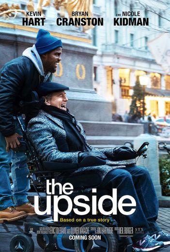 """Un peu plus de sept ans après le film phénomène aux près de 20 millions d'entrées en France, """"The Upside"""", dont la trame est quasiment la même, à quelques exceptions près, a généré 19,6 millions de dollars entre vendredi et dimanche aux Etats-U"""