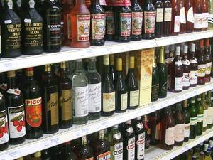 Le prévenu écumait en Aveyron le rayon des alcools forts.