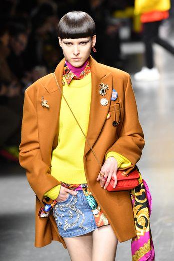 Une création Versace du défilé automne-hiver 2019/20 de Milan, le 12 janvier 2019