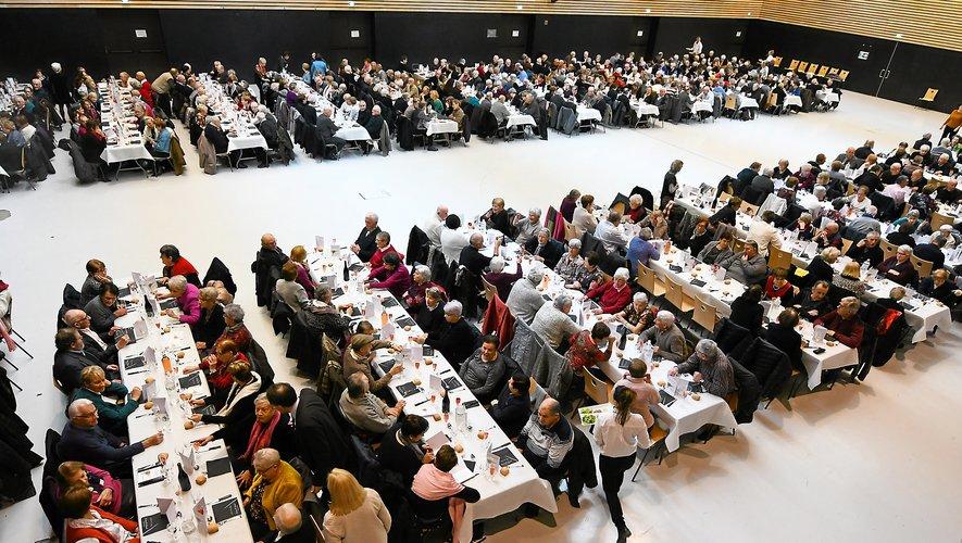 Ce mardi à la salle des fêtes, 500 Ruthénois de plus de 70 ans ont partagé un moment convivial.