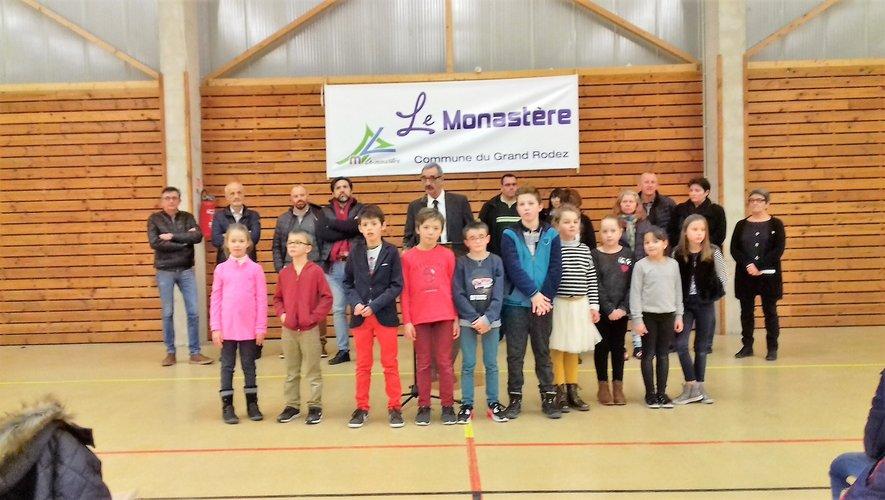 Conseil municipal et conseil municipal enfants ont souhaité une bonne annnée.