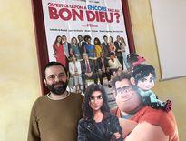 Arnaud Segond, le directeur de La Strada, le cinéma de Decazeville, aux côtés de Ralph et sous l'affiche du film le plus attendu de l'année 2019 et qui risque de faire le buzz.