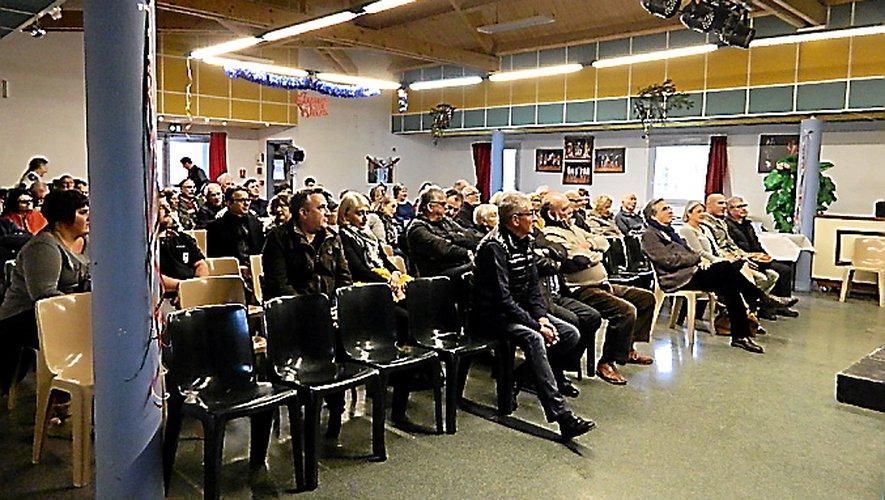 Une écoute attentive de la part du public.