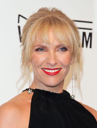 """Toni Collette donnera la réplique à Jamie Lee Curtis dans le prochain film dramatique """"Knives Out"""", attendu le 27 novembre prochain aux Etats-Unis."""
