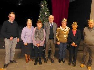 Les rois et reines d'un jour réunis autour du président Simon Laurens.