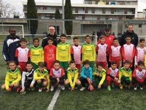 Les équipes de LPFC et de Blagnac réunis avant le coup d'envoi.